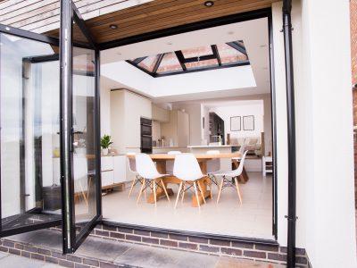 Minimal and luminous new Livin room with Aluminium Bi-Fold.