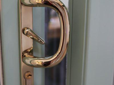 New golden door handle design.