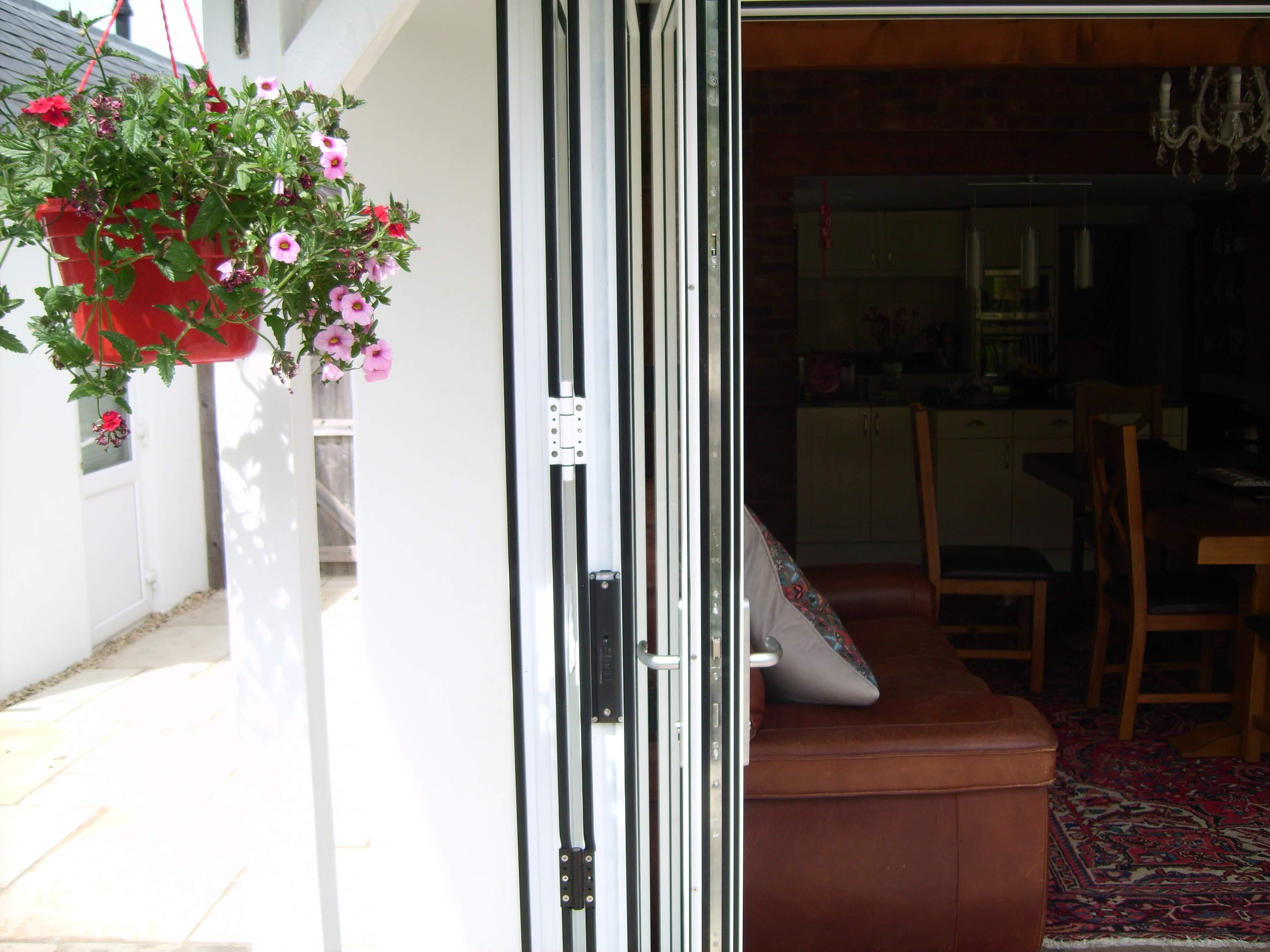 Side on view of Aluminium Bi-Fold french door design.