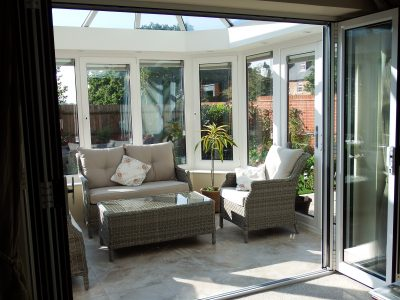 Modern and bright Livin room conservatory by 21st Century.