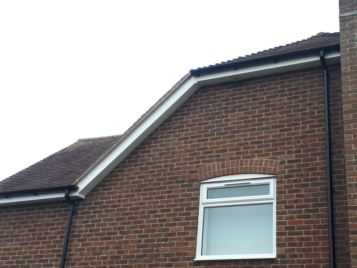 Image of a finished new fascias construction.